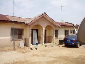 3 bedroom Semi Detached Bungalow for sale Hausawa Area Gwagwalada Sub-Urban District Abuja