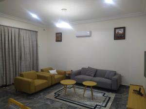 3 bedroom Shared Apartment Flat / Apartment for shortlet High South Street, Paradise Estate Life Camp Abuja