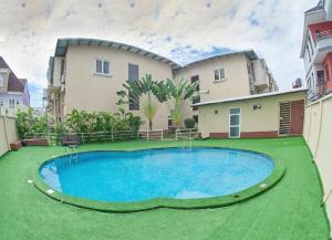 3 bedroom Terraced Duplex House for shortlet ONIRU Victoria Island Lagos