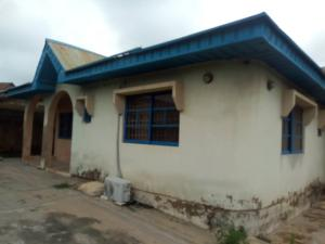 6 bedroom Blocks of Flats House for sale  Ekerin Area Ologuneru Ibadan  Ibadan Oyo