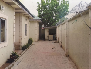 3 bedroom Blocks of Flats House for sale Federal Housing, Lugbe, Abuja FCT Lugbe Abuja