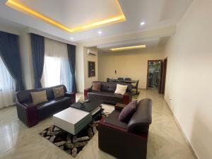 3 bedroom Terraced Bungalow House for shortlet Pinnacle Filling Station Lekki Phase 1 Lekki Lagos