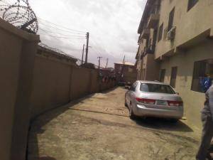 3 bedroom Blocks of Flats House for rent kamoru adeyemi Ire Akari Isolo Lagos