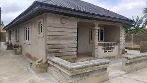 4 bedroom Detached Bungalow House for sale By the road on eleyele - poly Ibadan link road Eleyele Ibadan Oyo