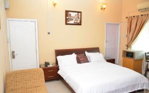 Shared Apartment for shortlet   Shonibare Estate Maryland Lagos