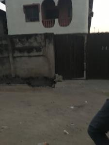 2 bedroom Blocks of Flats House for sale Within a close at oshogun  Alapere Kosofe/Ikosi Lagos