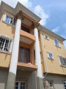 3 bedroom Flat / Apartment for rent Hassan Street Fola Agoro Yaba Lagos