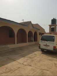3 bedroom Shared Apartment Flat / Apartment for rent Shalom house off benbow elere rd. Turn opposite biggab supermaket   Apata Ibadan Oyo