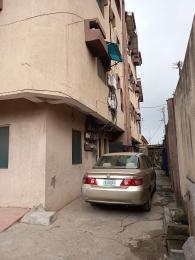 3 bedroom Flat / Apartment for rent Off PEDRO road behind gbagada Palmgroove Shomolu Lagos