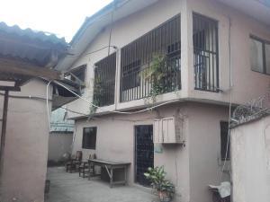 3 bedroom Blocks of Flats House for rent Mushin Lagos