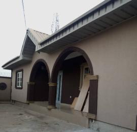 3 bedroom Blocks of Flats House for rent Lasko area, Alakia Airport Alakia Ibadan Oyo