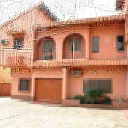 3 bedroom Blocks of Flats House for rent Ijesha Ijesha Surulere Lagos
