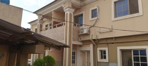 3 bedroom Blocks of Flats House for rent Ogunjinrin sholuyi Soluyi Gbagada Lagos