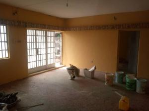 3 bedroom Flat / Apartment for rent Abayomi street off olufemi by ogunlana Ogunlana Surulere Lagos