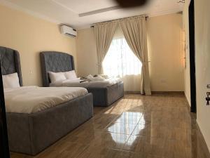 3 bedroom Shared Apartment Flat / Apartment for shortlet New horizon 2 Estate, by Meadow hall school road, Ikate(Elegushi beach) Lekki Phase 1 Lekki Lagos