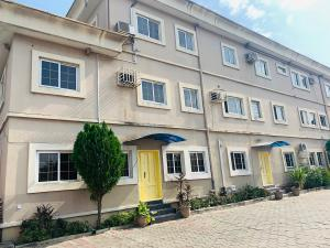 3 bedroom Flat / Apartment for rent Off Kudirat Abiola way, Julie Estate Oregun Ikeja Lagos
