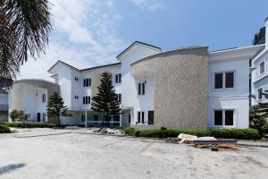 4 bedroom Terraced Duplex House for rent off Market Road Oniru Lekki Right ONIRU Victoria Island Lagos