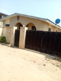 6 bedroom Terraced Bungalow House for sale Behind Kabelo Filling station Ota-efun osogbo Osun state Olorunda Osun