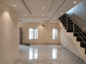 4 bedroom Semi Detached Duplex House for rent r Guzape Abuja
