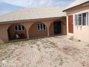 6 bedroom Detached Duplex House for sale  akatapa area ologuneru Ibadan  Ibadan Oyo