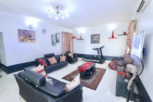 4 bedroom Flat / Apartment for shortlet 19, Ojulari Road Ikate Lekki Lagos