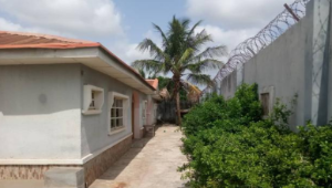 4 bedroom Detached Bungalow House for sale Atinuke bus stop, Ologuneru Ibadan Oyo