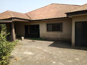 4 bedroom Detached Bungalow House for sale Location : Basiribasiri church street Residential Suburb along Ondo road, Akure Akure Ondo