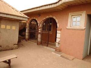 Detached Bungalow House for sale Gbekuba area after Baptist school, Ibadan Ido Oyo