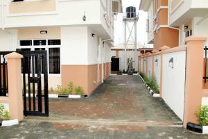 4 bedroom Detached Duplex House for sale Magodo Phase1 Magodo Kosofe/Ikosi Lagos