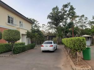 4 bedroom Detached Duplex House for rent lake view apartment Jabi Abuja