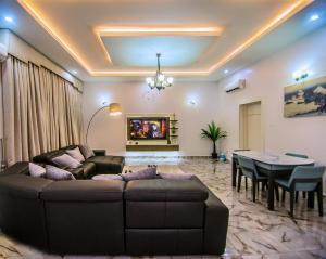 4 bedroom House for shortlet Lekki Lagos