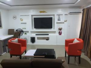 4 bedroom Flat / Apartment for shortlet Brains And Hammers City Life Camp Abuja