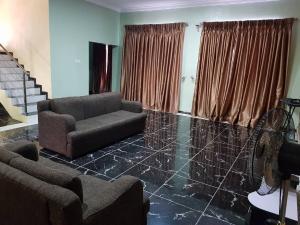 4 bedroom Detached Duplex House for shortlet Alalubosa Ibadan Oyo