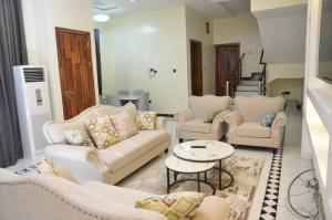 4 bedroom Flat / Apartment for shortlet Oral Estate Lekki Lagos