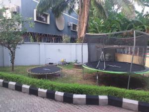 6 bedroom Flat / Apartment for rent Off Christ avenue Lekki Phase 1 Lekki Lagos