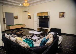4 bedroom Semi Detached Duplex House for shortlet Off freedom way  Lekki Phase 1 Lekki Lagos