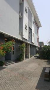 4 bedroom Terraced Duplex House for rent Off ONIRU Victoria Island Lagos