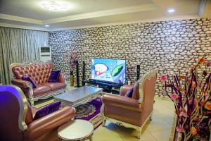4 bedroom Terraced Duplex House for shortlet Life Camp Abuja