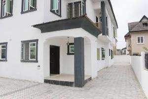 4 bedroom Semi Detached Duplex House for sale Shoprite, Novare Mall, Crown Estate, Emperor Estate Monastery road Sangotedo Lagos