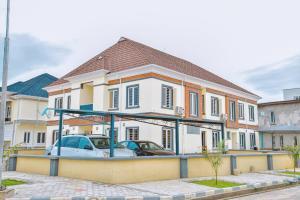 4 bedroom Semi Detached Duplex House for rent Buena Vista Estate chevron Lekki Lagos