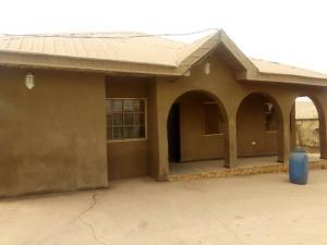4 bedroom Flat / Apartment for sale aduloju area ibadan Ibadan Oyo