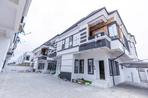 4 bedroom House for sale off Orchid Hotel Road Ikota Lekki Lagos