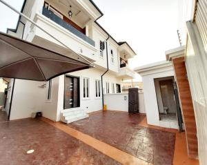 4 bedroom Semi Detached Bungalow House for sale lafiaji estate Lekki Lagos