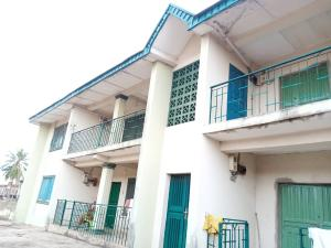 10 bedroom Blocks of Flats House for sale omolade area behind bishops Phillips academy iwo road ibadan. Iwo Rd Ibadan Oyo