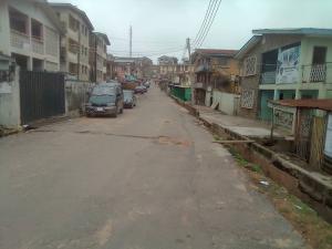 3 bedroom Blocks of Flats House for sale  Adeola crescent, Coca cola area. It's close to  Sango/Mokola express Ibadan Oyo