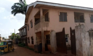 3 bedroom Blocks of Flats House for sale EMENE / CLOSE TO THE MAJOR ROAD Enugu Enugu