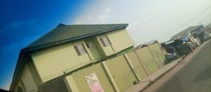 3 bedroom Blocks of Flats House for sale  along Adedokun road close to Buffalo, on Adetokun ologuneru Ibadan   Ibadan Oyo