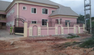 Self Contain Flat / Apartment for sale Benin city, Central Edo