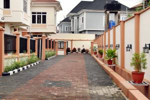 4 bedroom Terraced Duplex House for sale Mogodo Lagos Island Lagos