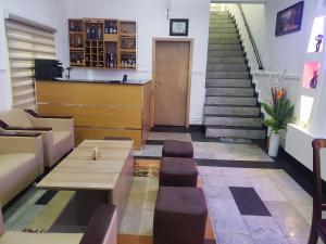 5 bedroom Detached Duplex for shortlet Serene Estate Adeniyi Jones Ikeja Lagos